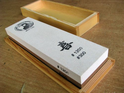 Jap. Waterstone 200x60x30 Grit 300+1200 in wooden box