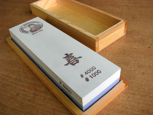 Jap. Waterstone 200x60x30 Grit 1000+4000 in wooden box